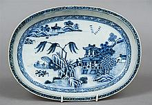 An 18th century Chinese blue and white porcelain W