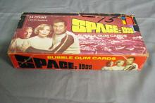 BOXED SET OF SPACE 1999 WAX PACKS