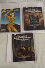 2 DUNGEONS & DRAGONS / 1 TRS FRIEND FOLIO BOOKS !!!! WE SHIP WORLD WIDE !!!