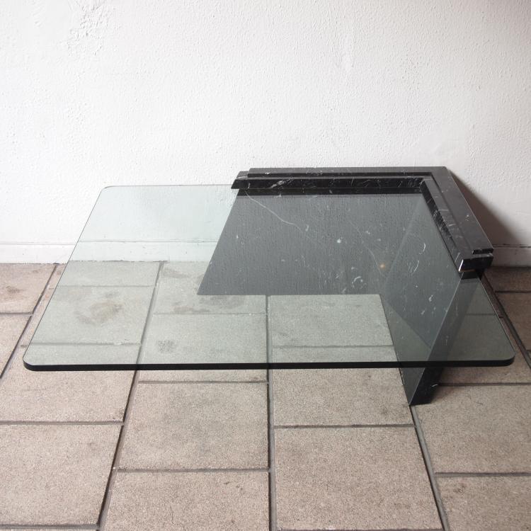 Table basse carre noir for Table basse carre design blanc et noir saint denis