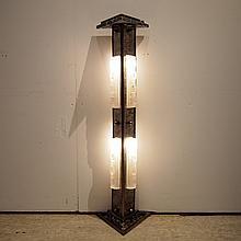 Colonne lumineuse de style Art-Déco :