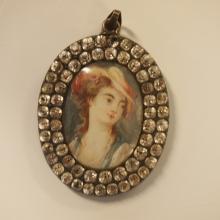 Miniature pendentif en médaillon fin 19eS