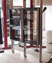Roche Bobois :  Bibliothèque double faces fixation sol/plafond,