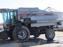 1993 Agco/Gleaner R62 combine