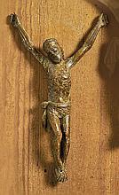 Christuskorpus?16. Jh.?Dreinageltypus mit leicht gebeugten Knien und seitli