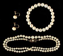 A Mikimoto graduated single strand cultured pearl