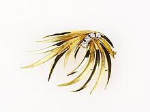 Textured and Polished Leaf Diamond Brooch 18ct