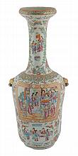 Nineteenth-century Chinese famille rose long-necked vase