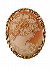 9 ct. gold cameo brooch