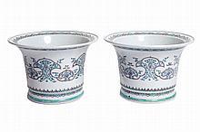 Pair of Chinese Qing period famille verte jardinières