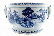 Large eighteenth-century Chinese export blue and white tureen