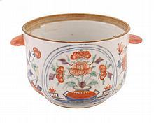 Eighteenth-century Chinese famille rose bowl 7 cm.