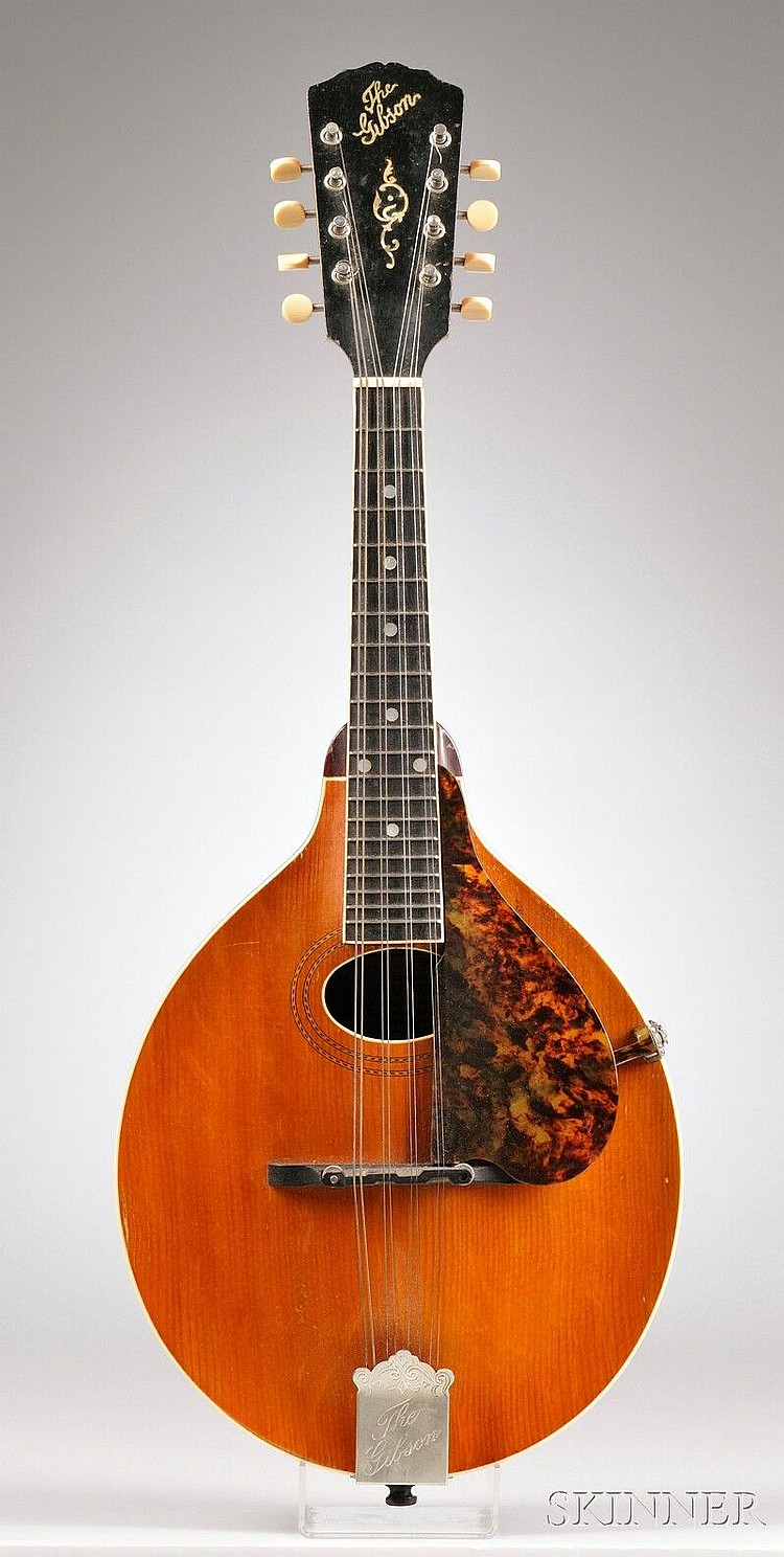 American Mandolin, Gibson Mandolin-Guitar Company, Kalamazoo, c. 1917, Style A-3, labeled ...GIBSON MANDOLIN STYLE A-3, NUMBER 31815...