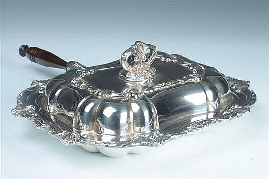 SILVER PLATED SERVING DISH, Early 20th century. - 11 1/2 in. x 14 1/2 in., dish only.