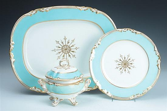 13-PIECE ENGLISH PORCELAIN PARTIAL DINNER SERVICE. last quarter 19th century; possibly Royal Worcester. - 10 1/4 in. diam., dinner plat