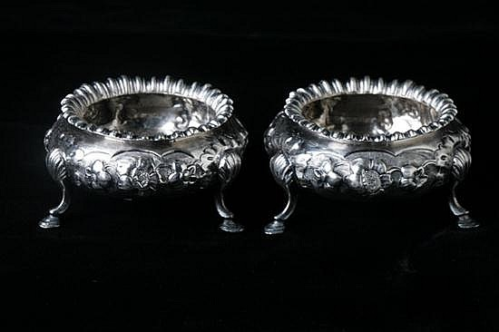 PAIR VICTORIAN SILVER SALTS, Robert Harper, London, 1864. - 6 oz., 4 dwt.; 1 1/2 in. x 2 1/2 in. diam.