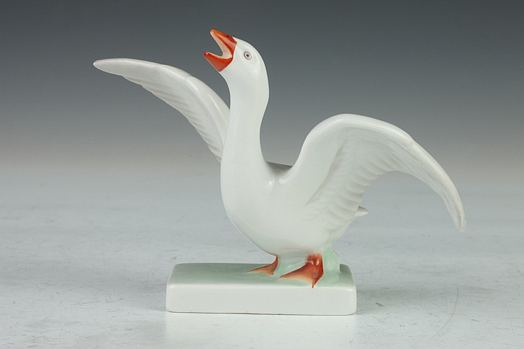 HEREND PORCELAIN FIGURE OF A GOOSE, - 3 1/2 in. high.
