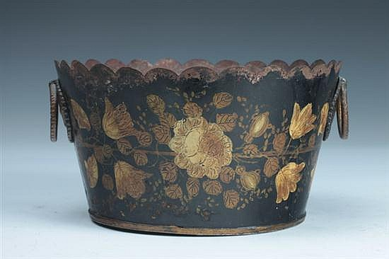 ENGLISH PAINTED TOLEWARE PLANTER. 19th century. - 4 3/4 in. high x 8 3/4 in. diam.