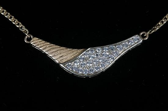 18K YELLOW GOLD AND DIAMOND CONTEMPORARY DESIGN CHOKER.