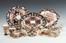 31 PIECES OF ROYAL CROWN DERBY PORCELAIN IN THE IMARI PATTERN, English, 1st half 20th Century & later.