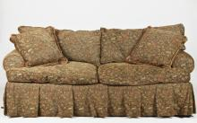 TRADITIONAL UPHOLSTERED SOFA BY CAROL FICKS/E.J. VICTOR, 20th Century. - 33 1/2