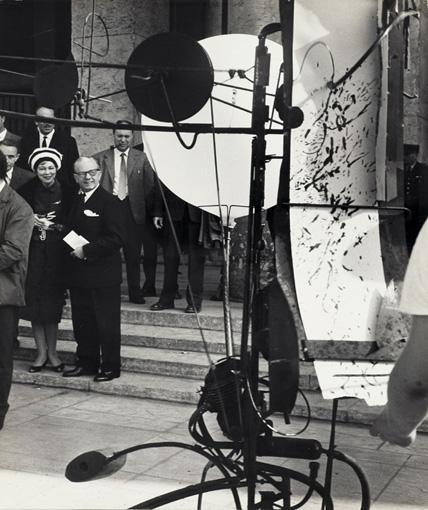 LA PREMIÈRE BIENNALE DE PARIS / QUAND L'ART DEVIENT MÉCANISÉ 2 OCTOBRE 1959