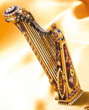 A FINE GOLD AND ENAMEL MUSICAL HARP | CIRCA 1820
