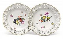 A pair of Meissen porcelain serving plates, 19th century (2)