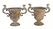 A pair of lead garden urns, 18th/19th century (2)