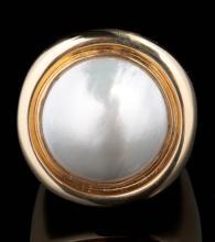 A 14K GOLD MABÉ PEARL FASHION RING