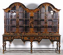 C. 1900 WILLIAM AND MARY STYLE OAK CHINOISERIE DISPLAY CABINET
