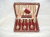 *A box set of 6 silver bead pattern teaspoons,