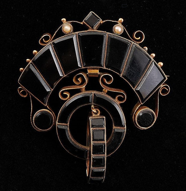 VICTORIAN 14K GOLD, ONYX AND SEED PEARL MOURNING BROOCH