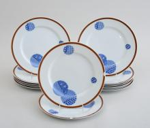 SET OF TWELVE DINNER PLATES, IN THE
