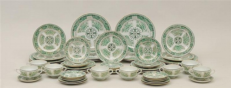 Chinese Export Porcelain Green Fitzhugh Pattern Partial Dinner Service