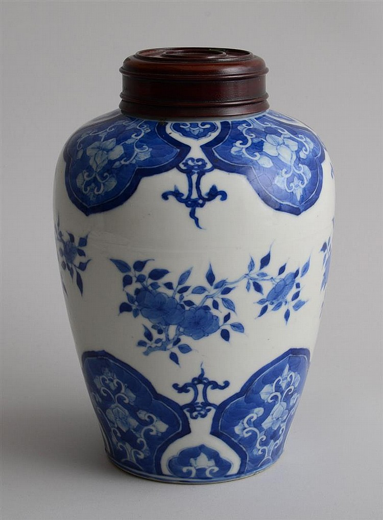 CHINESE BLUE AND WHITE PORCELAIN OVOID GINGER JAR