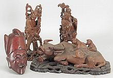 GROUP OF CARVED WOOD DECORATIVE ITEMS.