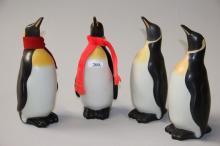 4 Knabstrup-pingviner# For Landmandsbanken, glaseret keramik, enkelte små g