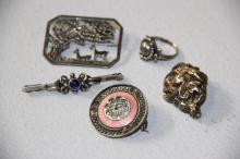 Samling skønvirke-smykker# 4 brocher samt ring, sølv
