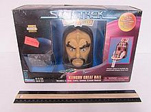 ST STRIKE FORCE KLINGON GREAT HALL COLL NIB, HEAD OPENS UP AND HAS MINI FIGURES