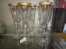 CLEAR GLASS CHAMPAGNE FLUTES (8)