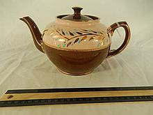 SADLER TEAPOT MADE IN STAFFORDSHIRE, ENGLAND, GOOD CONDITION