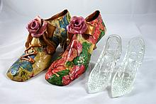 Lot 2 pairs of decorative shoes??? 2 ????? ???? ?????