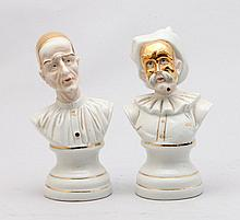A PAIR OF PORCELAIN FIGURES IN THE FORM OF ACTORS