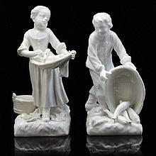 A PAIR OF MEISSEN 18TH CENTURY PORCELAIN FIGURES OF A YOUNG FISHERMAN AND FISHERWOMAN