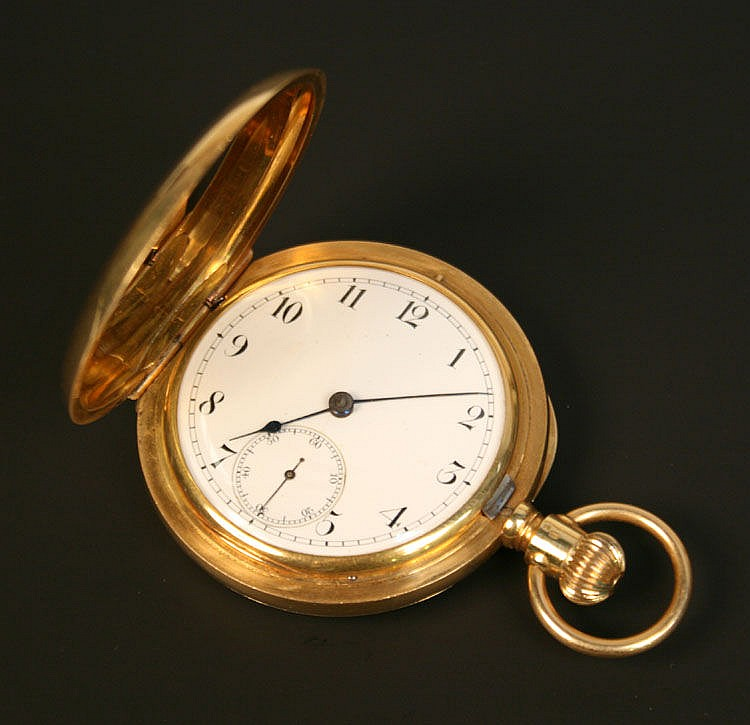 A gold keyless wind hunting cased gentleman's
