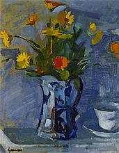 § ALEXANDER GOUDIE R.P. (SCOTTISH 1933-2004) STILL LIFE OF FLOWERS IN A CHINA JUG 35cm x 26cm (13.75in x 10.25in)