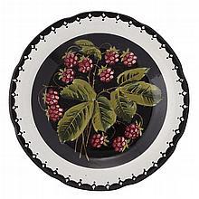 WEMYSS WARE A SIGNED 'RASPBERRIES' GORDON DESSERT PLATE, CIRCA 1900 20.5cm diameter