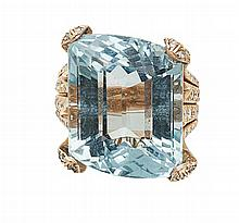 An aquamarine and diamond set cocktail ring Ring size: M/N, estimated total aquamarine weight: 21.41cts