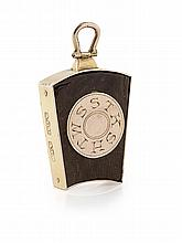 AYR - A SCOTTISH PROVINCIAL GOLD MOUNTED OAK JEWEL Height: 3.2cm